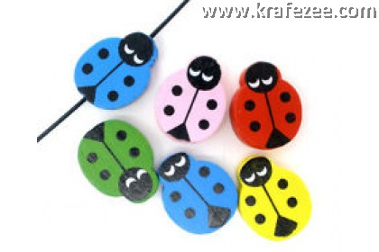 CB0049 Wood Ladybird Buttons 100 pieces